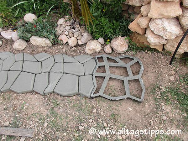pflastersteine streichen pflastersteine streichen anleitung in 3 schritten pflastersteine. Black Bedroom Furniture Sets. Home Design Ideas